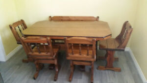 Kitchen table, solid wood 4, chairs and bench
