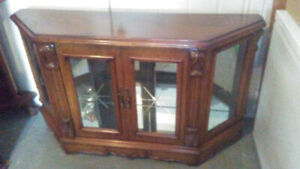 BEAUTIFUL HIGH END ACCENT CABINET