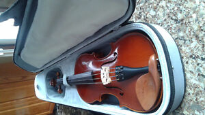 3/4 Stuccato Violin and Case For Sale