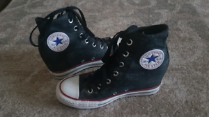 Womens Converse Shoes size7.5