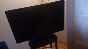 Philips TV with free wooden stand