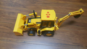 Digger construction vehicle - CAT