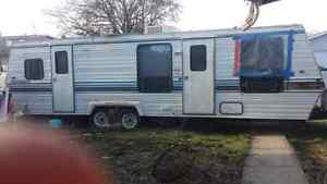 Travel trailer for sale 1000$ obo