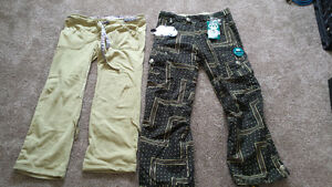 686 Ski Pants with removable liner  (never worn)