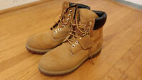 Timberland Boots - Men's Classic 6-inch Size 8