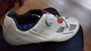 Mens Size 11 Garneau Cycling shoe with BOA Closure System