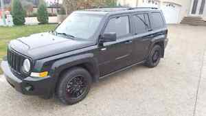 2008 Jeep Patriot NORTH EDITION  (studded winter tires)