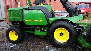 John deere 2011, 1545 31hp diesel  72'' deck  4wd on demand