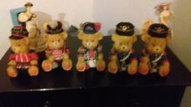 Teddy bear soldiers