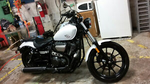 Like new 2014 Yamaha bolt 950cc