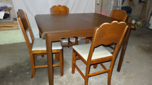 Vintage/Retro Dining Table and chairs