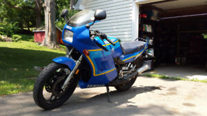 1990 Yamaha RZ350 2 stroke rare find and fun to ride