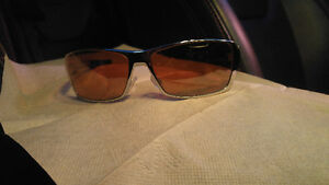 Very Rare Chrome Oakley Mens Sunglasses