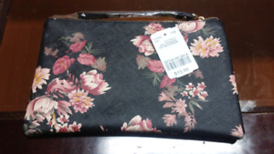 Le Chateau cosmetic pouch