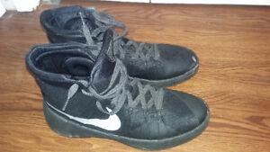 Nike mens rubbershoes