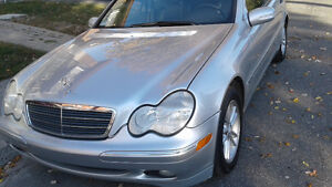 2004 Mercedes-Benz C-Class 2.6L Sedan