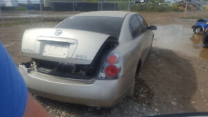 2005 ALTIMA.. JUST IN FOR PARTS AT PIC N SAVE! WELLAND