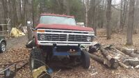 1976 Ford F-250 Pickup Truck 4x4 PART OUT