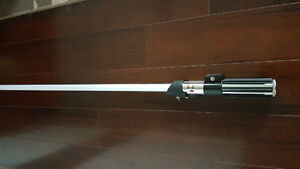 STAR-WARS-Master-Replicas-Darth Vader-FX-Lightsaber-2
