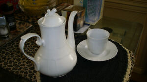 CHINA COFFEE CARAFE, 6 CUPS &SAUCERS> SUGAR BOWL ,CREAMER  28.00