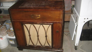 Electrohome Tube Radio and 3 speed Record Player 1930s