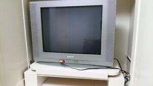 23 inch TV not flat screen. $20
