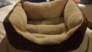 sofa for small dog/petit chien