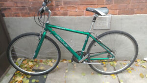 Fuji Commuter Hybrid Bike *LIKE NEW MUST SEE!