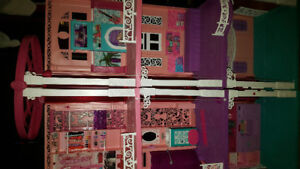 Maison de poupée Barbie 3 étages