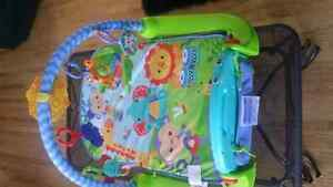 Fisher Price baby  jungle kick and play piano gym
