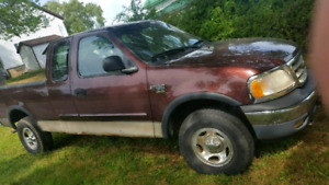 2001 f150 6.5ft box in great condition - for parts