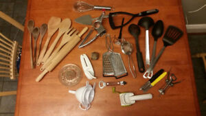 MOVING SALES WARE: glasses, cups, cutlery, pans, dishes...