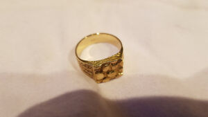 10k Gold Nugget Style Ring size 8.5 weighs 5.4 grams