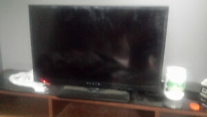 32 inch TV with inbuilt DVD player