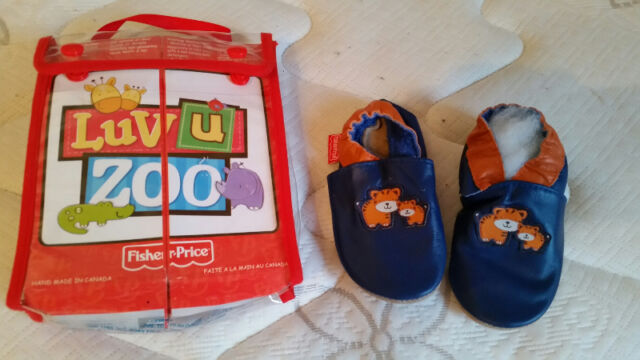 Brand New Fisher Price Luv U Zoo Soft Leather Crib Shoes - $12
