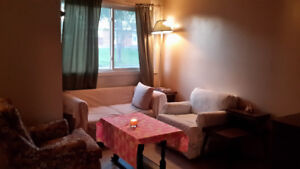 Furnished Room-5 Minutes' Walk to LU-All Inclusive