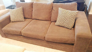 Fava Sofa (from Leons) + 2 pillows incl.