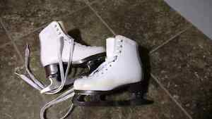 Girls ice skates for 3-4 years old