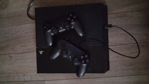 *mint condition* PS4, 2 controllers + 3 games $450