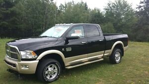 2012 Dodge Laramie Long Horn with Many Extra's