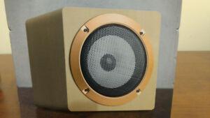 Haut-Parleur Bluetooth Puissant avec un son base magnifique neuf