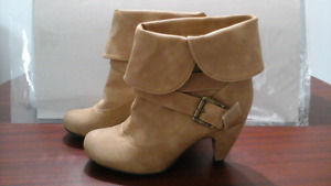 WOMAN TAN COLOR HIGH HEEL BOOTS SIZE 6