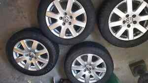 Set of 4 VW Alloy rims with 16 inch Pirelli Winter tires