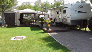 Roulotte ALJO LIMITED 311 (Camping Domaine au Grand R )