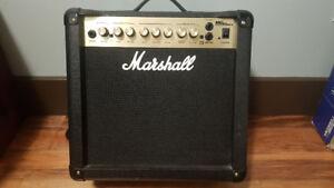 Marshall  MG 15DFX amp