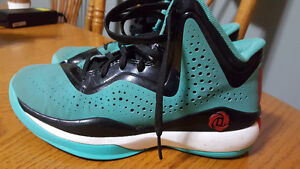 D Rose adidas Basketball sneakers Size 3 1/2