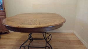 SOLID OAK DINING TABLE ROUND / OVAL WITH METAL BASE Peterborough Peterborough Area image 3
