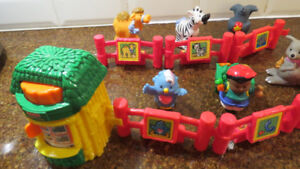 Fisher-Price Little People Baby Zoo fabriqué en 2001 - TRÈS RARE