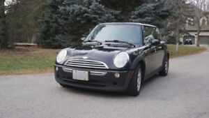 2005 Mini Cooper, Black, 5-Speed Manual Transmission