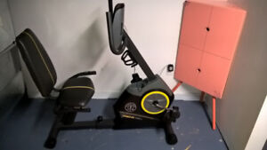 Stationary bike Gold's Gym 390R- Never used, fully assembled